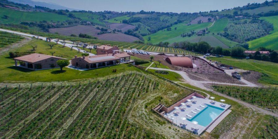 L'impianto di climatizzazione con soluzioni a servizio della produzione del vino per la cantina e un impianto all'insegna della sostenibilità per il resort