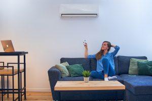 air-conditioner-adjusting-comfort-temperature